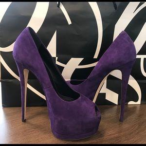 Giuseppe Zanotti Women Purple Pumps orig. $895